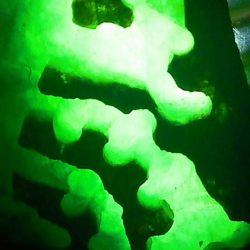 3F75 天然翡翠原石毛料 擦口料