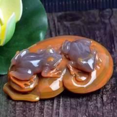 蘇州工藝 極品天然俏色戰國紅瑪瑙青蛙擺件 原石巧雕刻一對青蛙 簡直太美了 寓意呱呱來財 精湛雕工