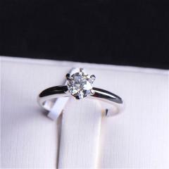 唐婉珠宝18K金钻石戒指 金重2.487g 主石重0.51ct(克拉)净度SI / D 钻石