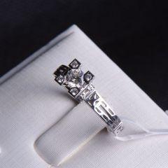 唐婉珠宝18K金钻石戒指  金重3.33g 主石重0.31ct(克拉)净度VS2/E 钻石