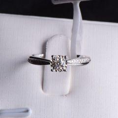 唐婉珠宝18K金钻石戒指  金重2.314g 主石重0.154ct(克拉) 钻石