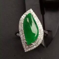 銘玉堂珠宝批发  辣绿女戒指,完美无裂纹,种色一流,豪华镶满钻,大气,性价比高