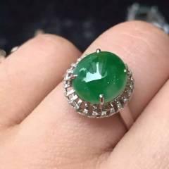 雅翠緣  新出綠戒指,細膩色辣,側面小綿  翡翠戒指