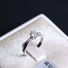 诚信钻石工坊   18K钻石戒指   主钻0.55克拉   重量2.56g   钻石戒指