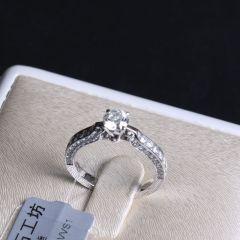 诚信钻石工坊  18K钻石戒指  主钻0.538克拉  配钻0.62克拉   钻石