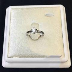 诚信钻石工坊 18K钻石戒指  主钻0.305ct DE VS