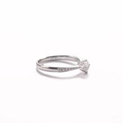 金九福   钻石戒指 总质量2.1136g 主石0.302ct/1 副石0.072ct/14