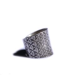 静玉轩 手工纯银个性戒指  规格20*19*1  重量7.60g  白银戒指