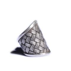 静玉轩 手工纯银个性男士戒指  规格31*21*3  重量12.80g  白银戒指