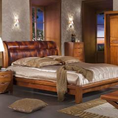 河南南阳 步园 典木轩   皮床加2 个床头柜