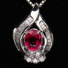 沃晶的世界   绝美红宝吊坠,pt900铂金镶嵌,送金项链  超值