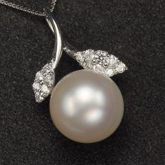 沃晶的世界   13.5mm海水珍珠吊坠    18K金镶嵌,南非vv钻0.43克拉