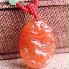 虹潤珠寶行     天然南紅雕刻玉兔吊墜,顏色鮮艷