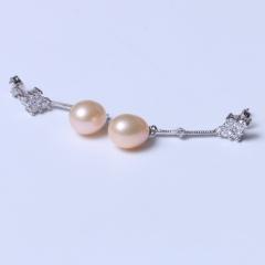 LV珠光宝气 天然淡水珍珠4钻米珠彩色耳钉