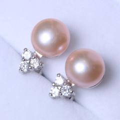 LV珠光宝气 天然淡水珍珠三钻纯银耳钉