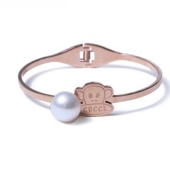 LV珠光宝气 天然珍珠馒头珠大嘴猴钛钢手镯