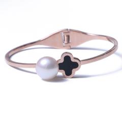 LV珠光宝气 明星同款 天然珍珠馒头珠黑色四叶草钛钢手镯