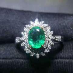 祖母綠戒指18k白金鑲嵌天然南非鉆石 主石重:1.04克拉 總規格:14.5*13.2 鉆石:80顆