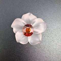 斯里兰卡芬达石榴石配粉晶花瓣 胸针 主石2.65ct
