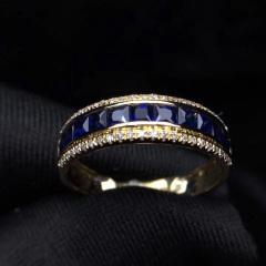 复古宫廷极品蓝宝石戒指 +18K 配南非钻石 主石:1.1克拉  总重:2.22克  钻石:46颗