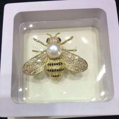 小蜜蜂胸针淡水珍珠 搭配毛衣大衣