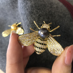 天然淡水金珠黑珠蜜蜂胸針亮晶晶本季流行動物元素你不能少之單品 槍黑色 第二批預售3天
