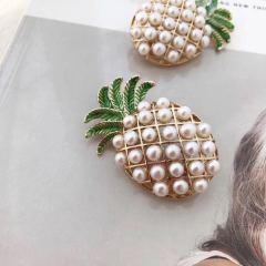 菠蘿胸針淡水珍珠小燈泡迷你可愛韓版爆款新品包郵送女友mini 淡水珍珠