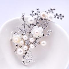 梅花水晶胸针女胸花韩版别针配饰品  天然珍珠胸针 现货