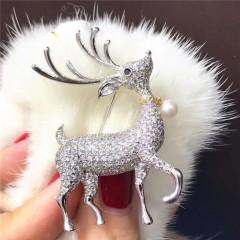 天然淡粉色akoya日本海水珍珠戴围脖小麋鹿满钻胸针圣诞新款礼物 银色小鹿拍下7日内发货