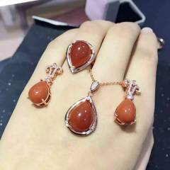 愛佳珠寶  南紅套裝  耳飾 項鏈戒指三件套