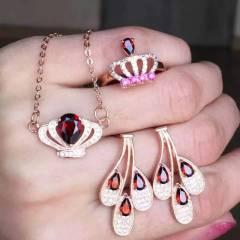 爱佳珠宝  奢华皇冠石榴石三件套  项链戒指耳饰