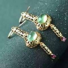 今日重磅新款!现货发售  天然绿葡萄耳坠 纯净起荧光颜色好的葡萄石,