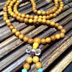 菩提居珠宝行 年前炬惠,黄金木108颗,规格0.6mm搭配红玛瑙绿松石藏银金刚杵,80