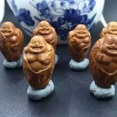 菩提居珠宝行  须木生树桩佛:尺寸:1.8x3.0厘米  小摆件