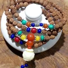 菩提居珠宝行  【印尼小金刚】手串尺寸0.6mm,搭配青金石绿松石红玉髓藕隔片象牙果莲花座。