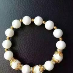 菩提居珠宝行  ,这就是白砗磲手串,搭配着欧币, 白砗磲尺寸10mm