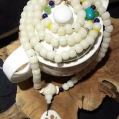 菩提居珠宝行  菩提手串天然白玉菩提根➕菩提根三通➕象牙果藕片➕优化绿松➕树脂配件➕干青 。