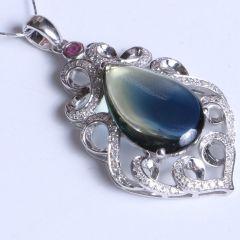 鑫恒珠宝  18k金蓝宝石吊坠  重量3.91g  蓝宝石