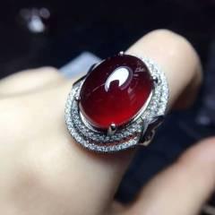 瑾瑜珠宝  特级奢华气质款大石榴石自留款戒指,纯925银镶嵌圈口可调!这种成色的市面上少有哦,