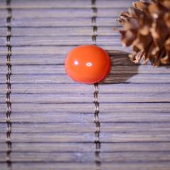 凉山南红纯天然纯手工【精品樱桃红戒面C#】,色泽红润,质地水润,重量2.3g,市场价500(RMB)