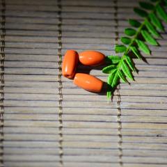 涼山南紅瑪瑙純天然手工打磨筒珠4,重量:0.8g,市場價:95元