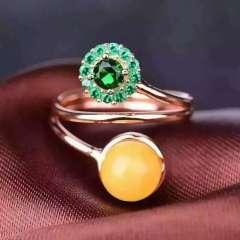 玉博源  纯天然蜜蜡戒指,925银镶嵌!活口:直径:8-9毫米!高贵优雅 精致靓丽