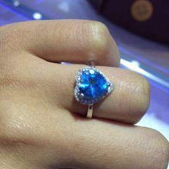百年缅玉  纯银镀金镶天然托帕石戒指   半价出售