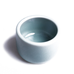 自在阁  龙泉窑主人杯一个  奇趣收藏瓷器