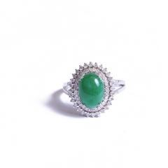 伟爵珠宝  彩色宝石 绿蛋面女戒 主石尺寸 8.2*11