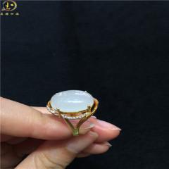 天然玉石和田玉蛋面戒指 纯18k金镶嵌3A级锆石 流行饰品