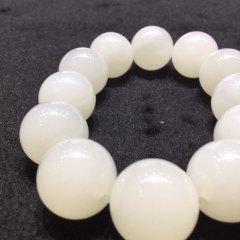 天然青海料手串12颗白度一级颗粒饱满细腻